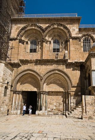 Chrch-of-the-holy-sepulchre